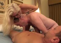 Porno cuckold con ragazza vogliosa