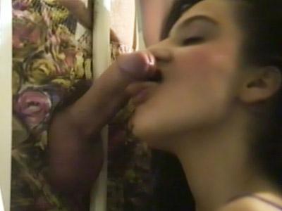Moglie succhiatrice fa un bocchino piccante