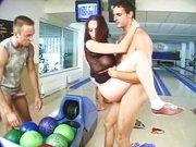 Sulla pista da bowling